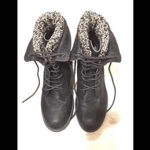 Shoes - Wooly Combat Boots 7 Black Booties